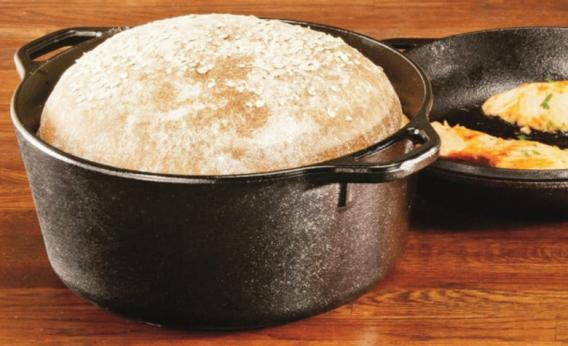 A multifunctional pot that'll make you a master bread baker.