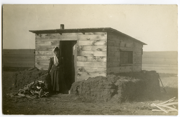 Homesteaders show off their claim shacks for Where to buy cheap land for homesteading