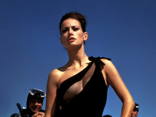 images%2Fslides%2F7-Claudine-Auger-Thunderball_3