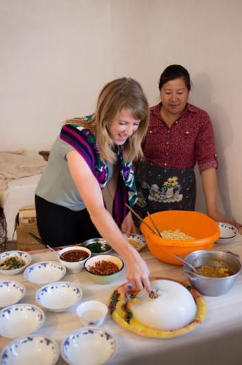 The journalist making Ashlyan-Fu with Hamida
